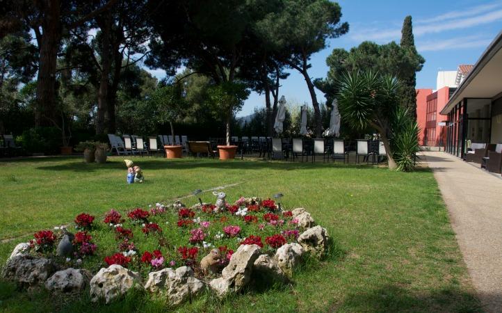 El jardín de la residencia geriátrica Putxet